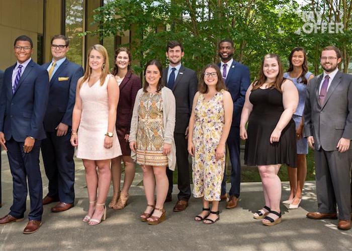 你看人家路易斯安那州立大学研究生学费是按小时计算的!