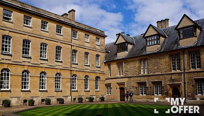 英国法学大学录取申请条件
