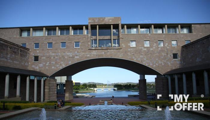 澳大利亚邦德大学荣誉及排名