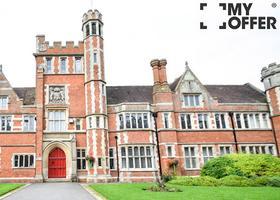 针对留学生的新限制 英国严控学生签证转工作签证