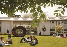 英国格鲁斯特大学录取入学条件在这儿!