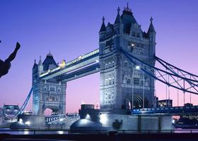 英国留学哪家强?看看这个专业大学排行榜