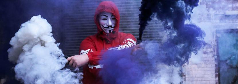 香港事件再升级 | 求学乐土竟似战场