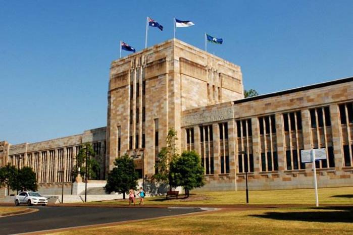 昆士兰大学计算机专业本科要求