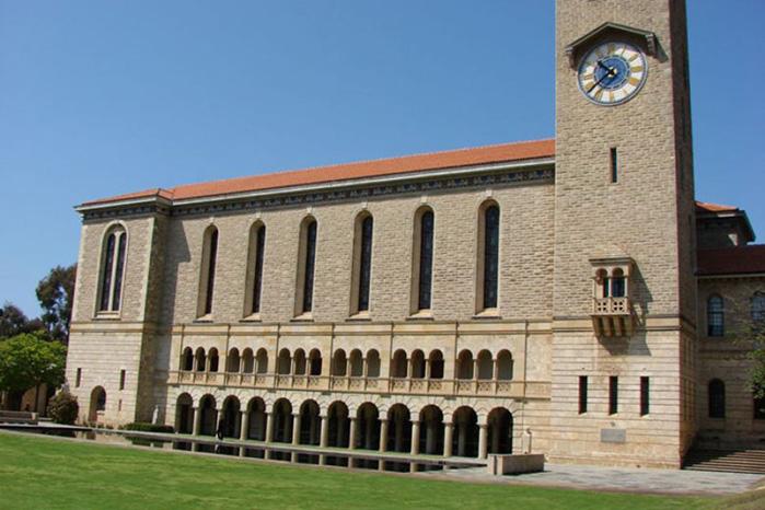 西澳大学录取条件