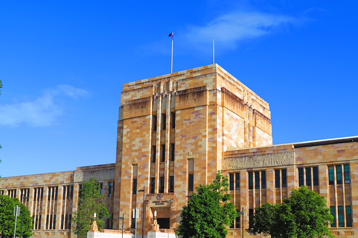 昆士兰大学学费