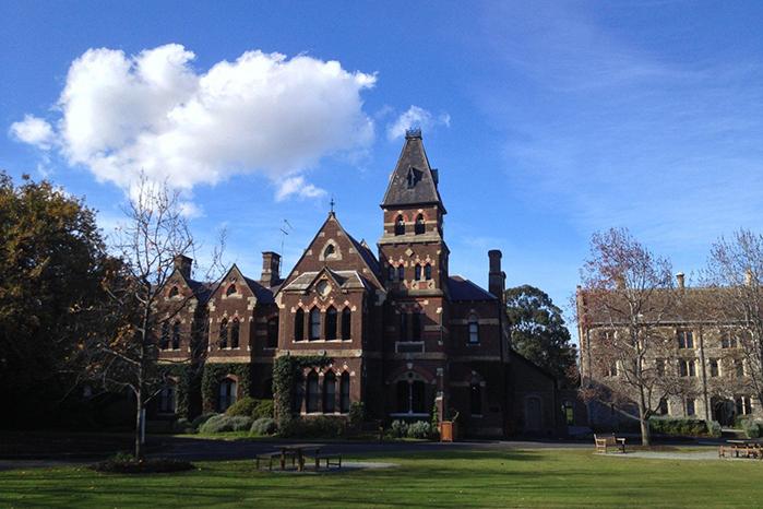 墨尔本大学申请时间