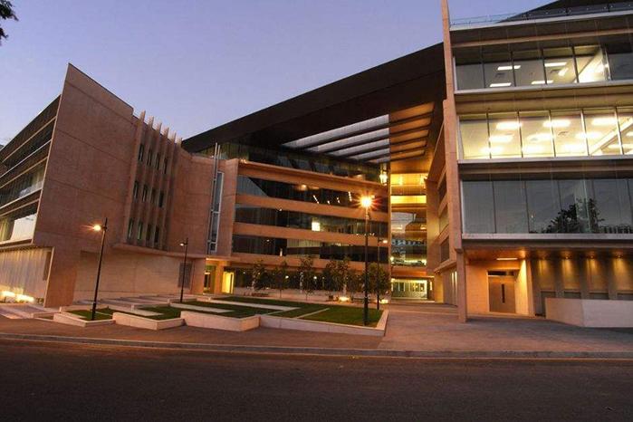 昆士兰科技大学相当于国内哪所大学