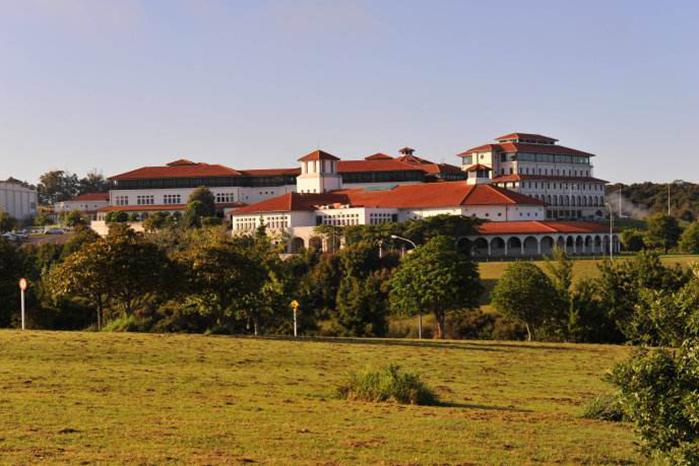 新西蘭工商管理大學排名
